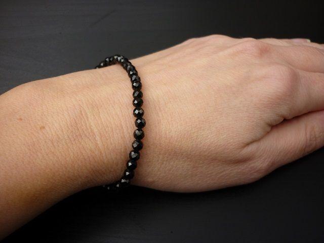 Spinel černý náramek kuličky 4 mm faset