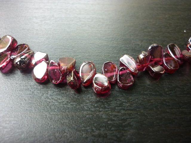 Granát náhrdelník kapky