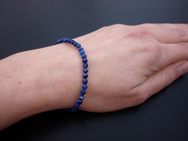 Lapis lazuli náramek kuličky 4 mm faset