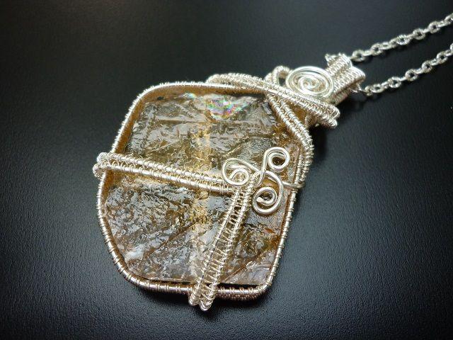 Kalcit šperk č.1