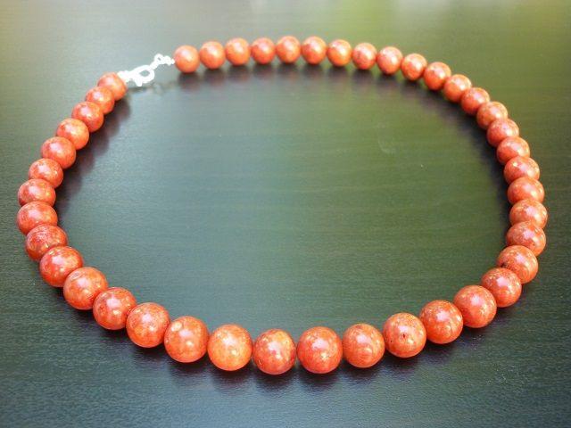 Korál houbový náhrdelník kuličky 10 mm