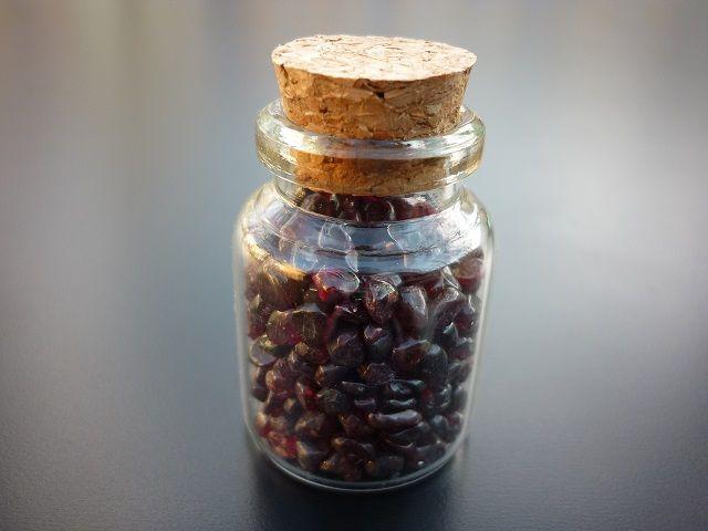 Granát lahvička