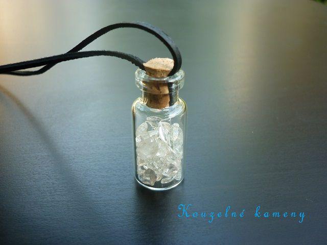 Křišťál lahvička na kůži