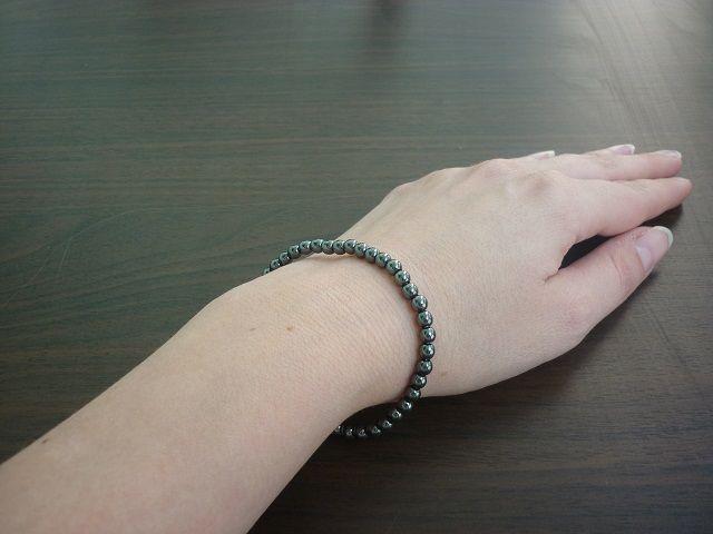 Hematit náramek kuličky 4 mm